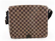 LOUIS VUITTON DAMIER EBENE DISTRICT MM MESSENGER
